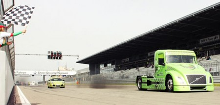 'Mean Green', the record-breaking Volvo hybrid truck