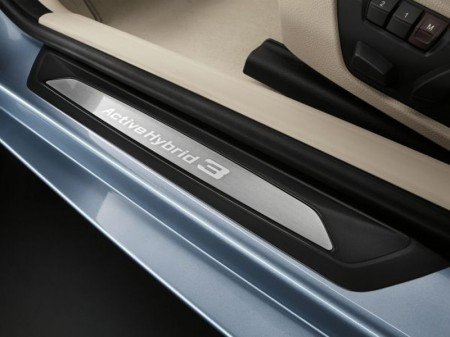 BMW ActiveHybrid 3 Series - Door shut detail