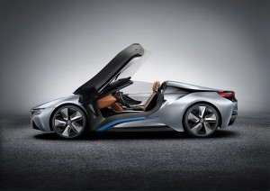BMW i8 Spyder - Side profile with doors open