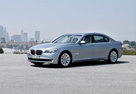 BMW ActiveHybrid 7 Series - Front quarter view