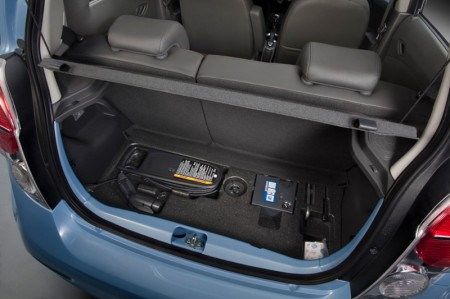 Chevrolet Spark Electric Car 2014 - Boot, charging cable and tools
