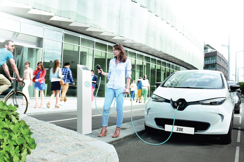 Renault banishes new London Congestion Charge worries with its full EV range