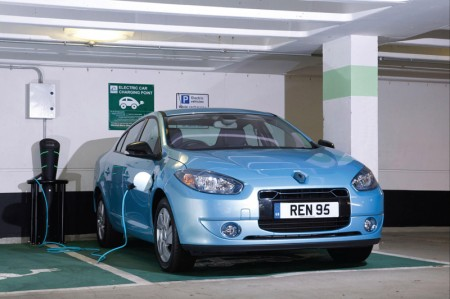 Renault Fluence Z.E. Electric Car - Charging