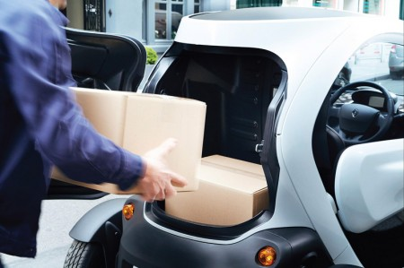 Renault Twizy Cargo - Loading the boot