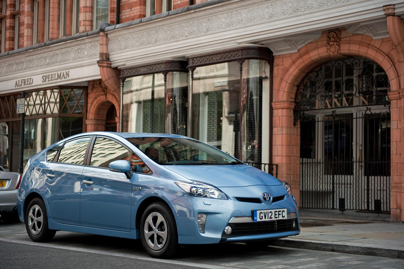Toyota help with new initiative to develop electric vehicle charging infrastructure in Japan