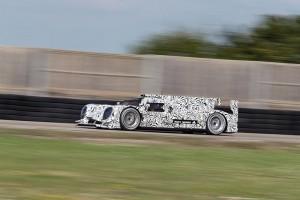 New Porsche LMP1 Hybrid in action