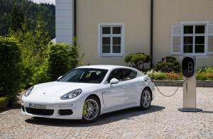 New Porsche Panamera SE Hybrid