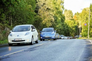 Nissan LEAFs lead world record bid