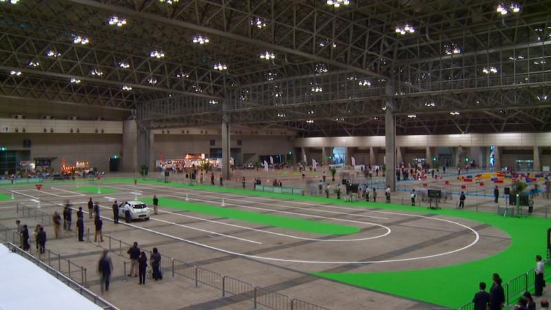 Nissan Leaf Autonomous Drive at CEATEC Japan 2013