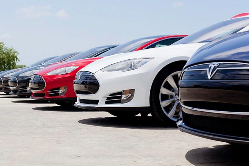 Tesla Model S Line-up
