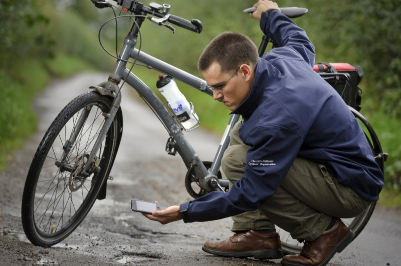 CTC's Chris Peck logs a pothole on the iPhone app Full-sized version