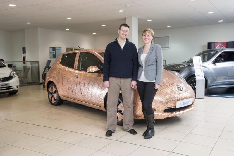Nissan LEAF's 100,000th customers