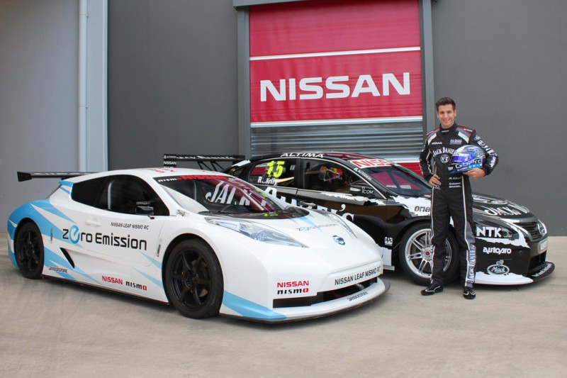 LEAF NISMO RC alongside Nissan Altima V8 Supercar