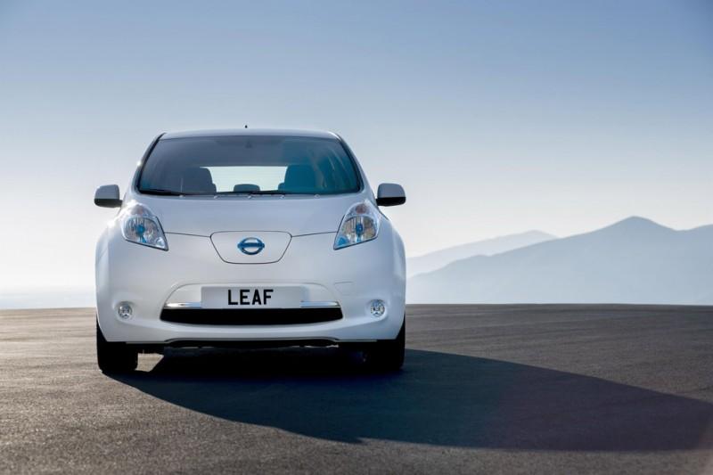 Nissan LEAF breaks sales records
