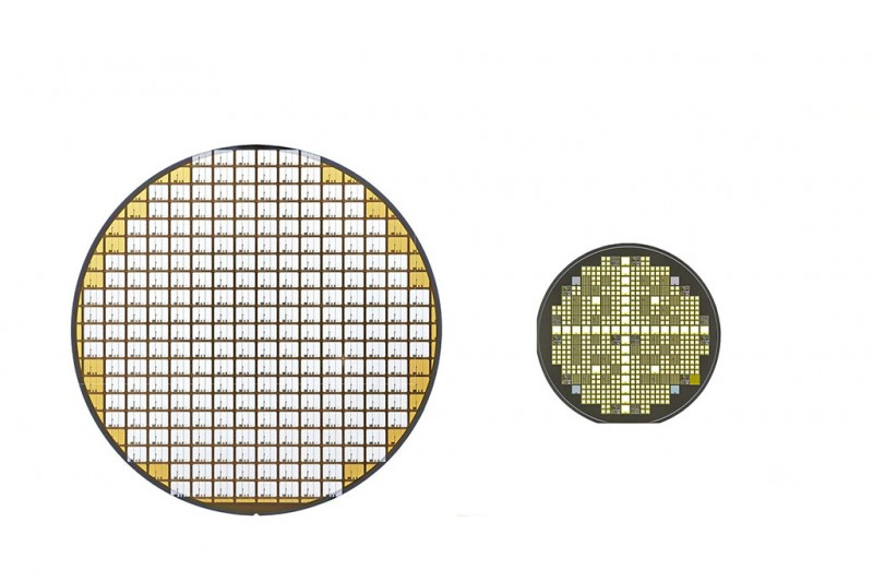 (L) Silicon and (R) SiC power semiconductor wafers