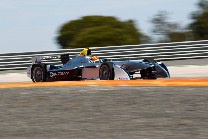 Chinese driver Ho-Ping Tung testing the fully-electric Formula E car – the Spark-Renault SRT_01E – in MonteBlanco Spain recently