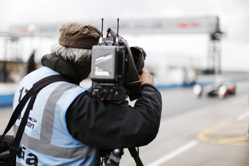 French broadcaster CANAL+ is to air live coverage of all Formula E races