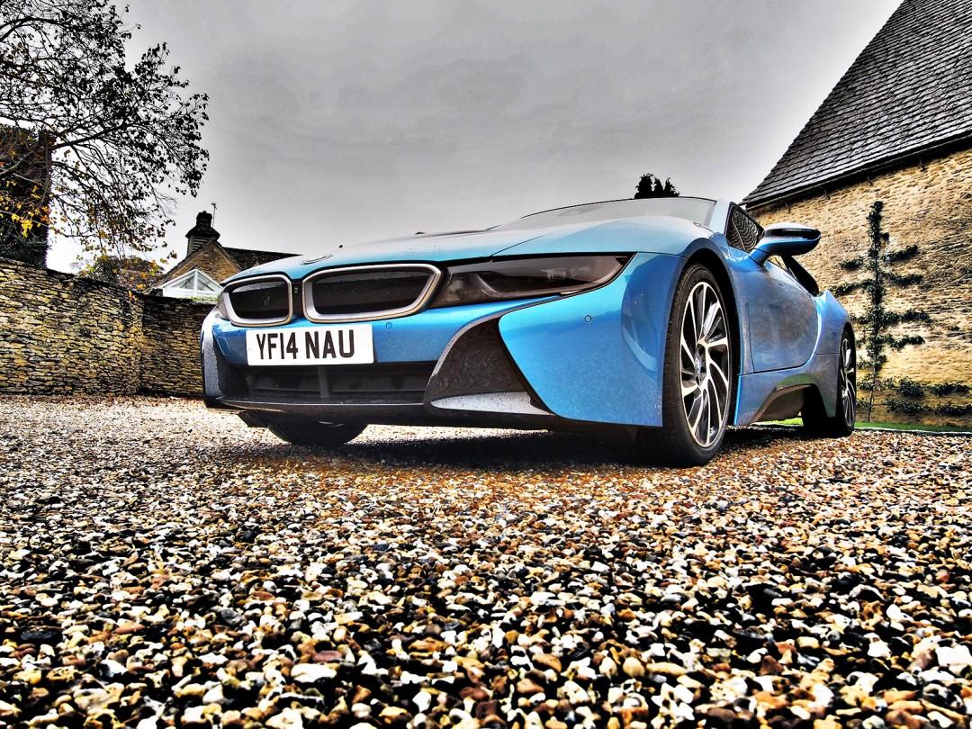 REVIEW: BMW i8 (Plug-in Hybrid)