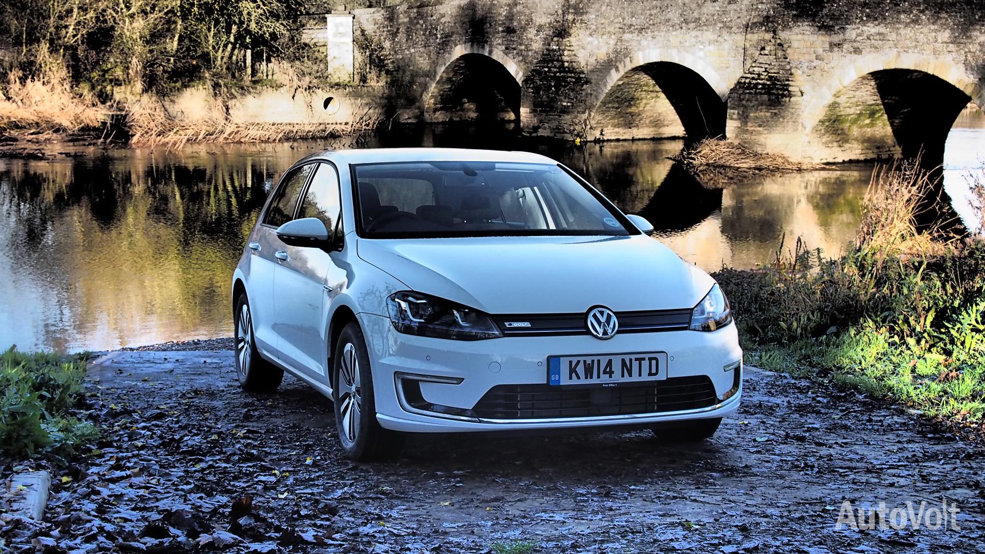 Volkswagen e-Golf Photo