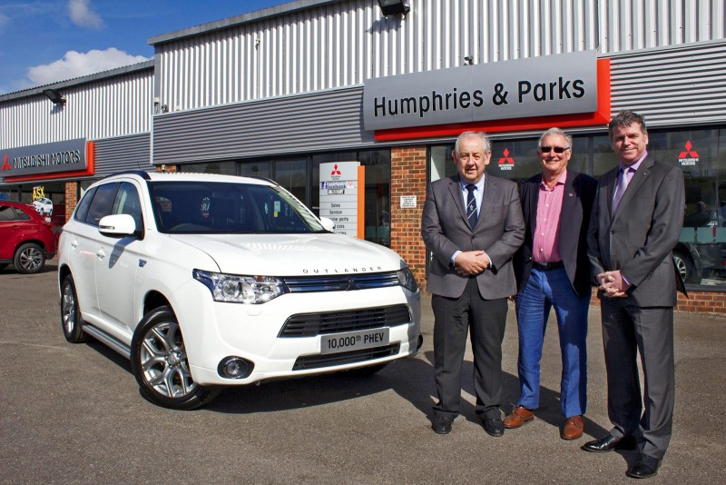 Mitsubishi Outlander PHEV 10,000th UK sale