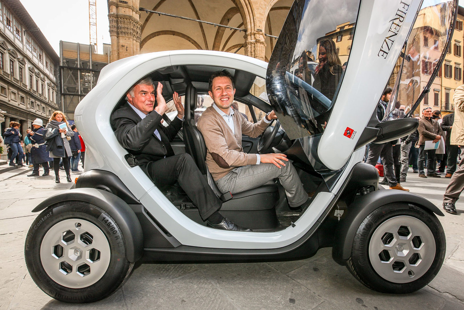 15 000 renault twizy now in circulation autovolt magazine. Black Bedroom Furniture Sets. Home Design Ideas