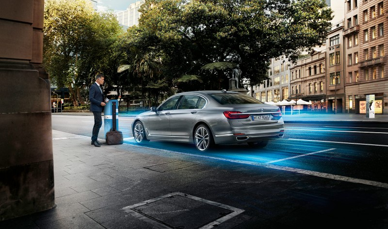 New BMW 7-Series PHEV - Charge point