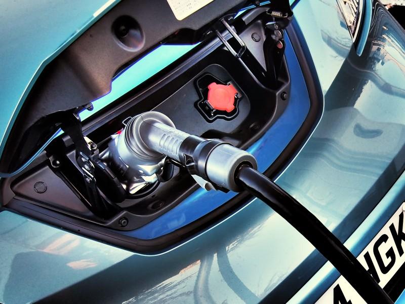 Nissan e-NV200 CHAdeMO charging