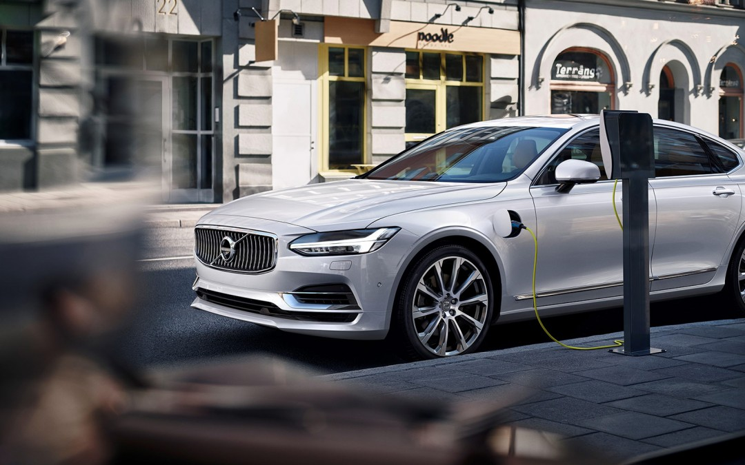 """""""Standardise Electric Car Charging"""" says Volvo Cars"""