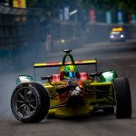 FIA Formula E London ePrix 2016 - Lucas di Grassi limps back to the pits with his front right wheel hanging