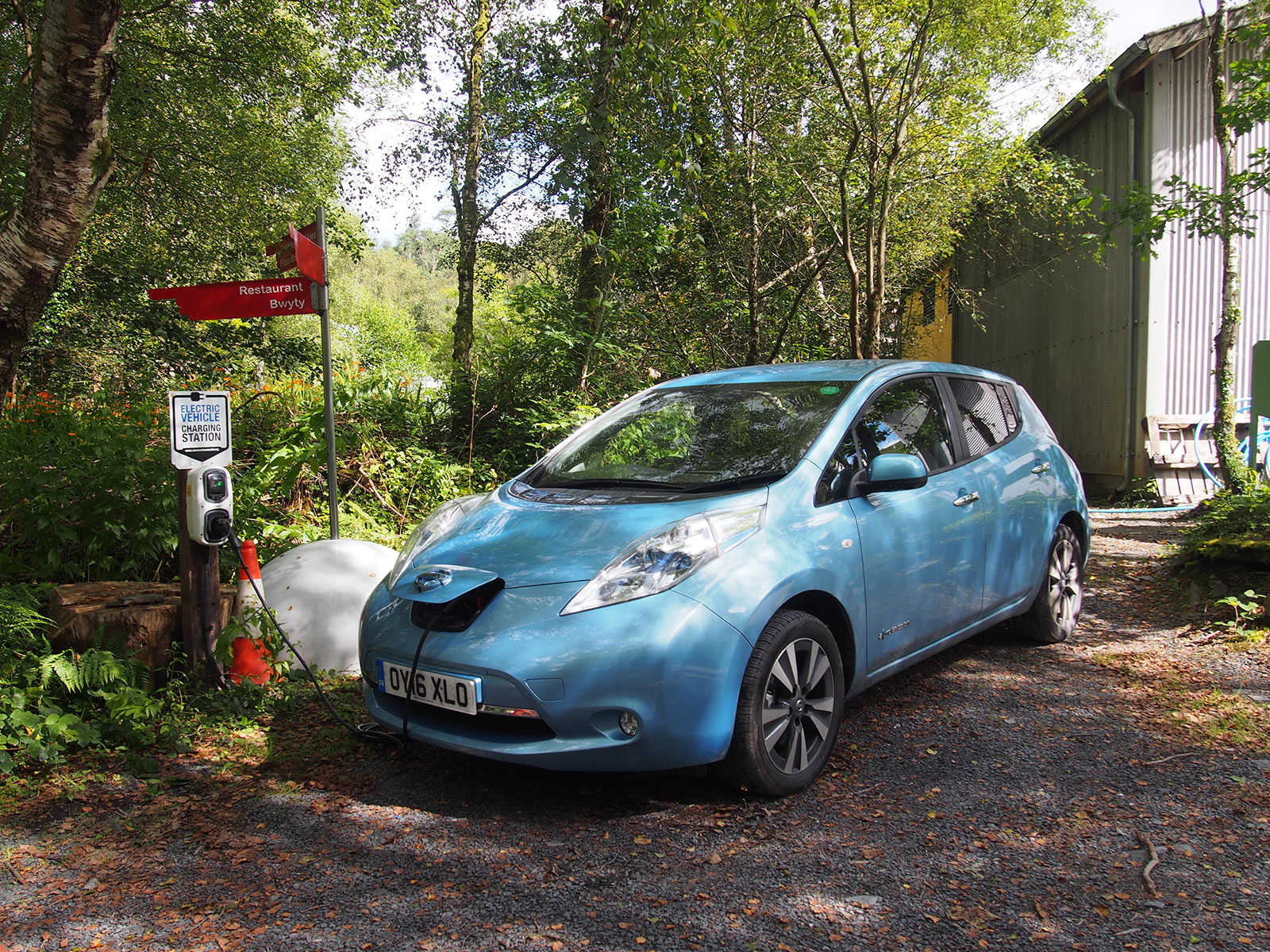 Nissan Leaf 30kWh in Wales 2016 - Centre for Alternative Technology (CAT)